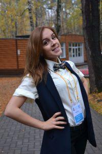 Фартушная Анна Андреевна. Методист. Работает с 2013 года
